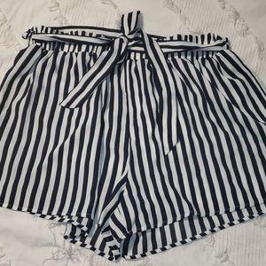 Plus Size Striped Tie Shorts